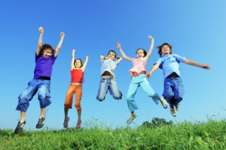 children_jumping_(320_x_212)